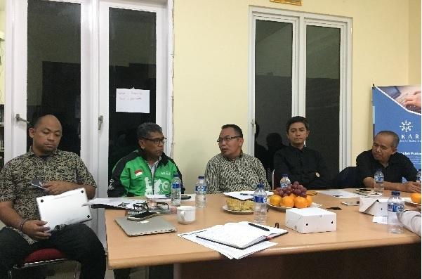 Diskusi bertema Pengemudi Ojek Daring dan Kerja Layak, di Jakarta, Selasa (10/4). Foto: DAN