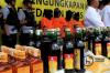 Sebanyak ratusan minuman keras oplosan yang mengakibatkan 31 orang meninggal dunia berhasil diamankan polisi di wilayah Polda Metro Jaya.