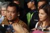 Sebelumnya, Pengadilan Negeri Jakarta Selatan memerintahkan KPK untuk segera menetapkan tersangka baru dalam kasus Bank Century setelah mengabulkan permohonan praperadilan yang diajukan LSM MAKI.