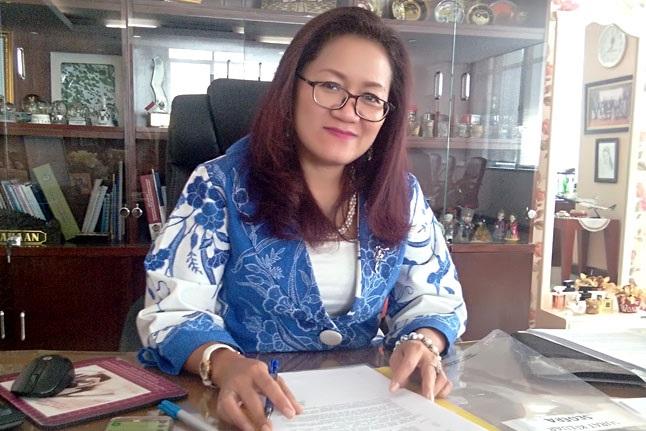 Tio Serepina Siahaan: Srikandi yang Bercerita tentang Guru dan Dunia Litigasi