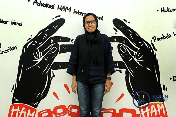 Yati Andriyani: Nahkoda Perempuan Pertama di Markas KontraS