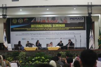 Advokat Indonesia di Tengah Perkembangan Hukum Bisnis Internasional