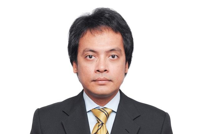 Internasionalisasi Pendidikan Tinggi Hukum Oleh: E. Fernando M. Manullang*)
