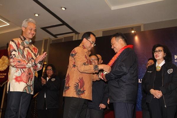 Otto Hasibuan Pimpin Keluarga Alumni Hukum UGM, Berikut Susunan Kabinetnya