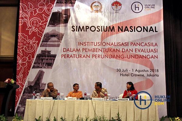 Pancasila Wajibkan Agama Menjadi Sumber Hukum Nasional