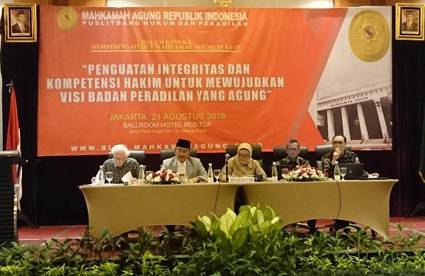 Seminar bertajuk Penguatan Integritas dan Kompetensi Hakim untuk Mewujudkan Badan Peradilan yang Agung di Jakarta, Selasa (21/08). Foto: AID