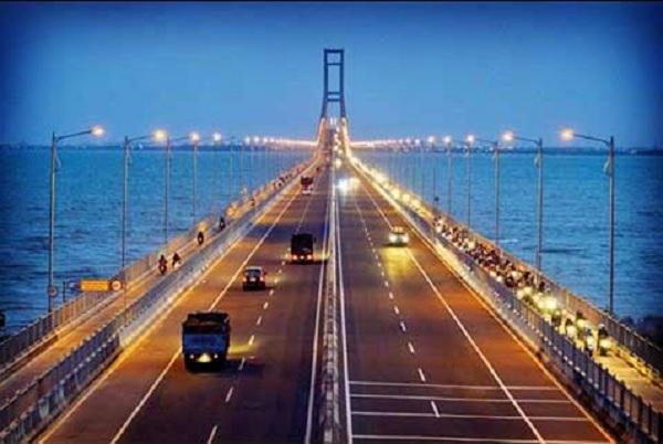 Perpres 98/2018 Soal Perubahan Jembatan Suramadu Jadi Jalan Umum Tanpa Tol