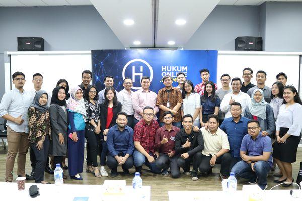 Para peserta dan suasana pelatihan freshgraduate yang diselenggarakan Hukumonline. Foto-Foto: HOL
