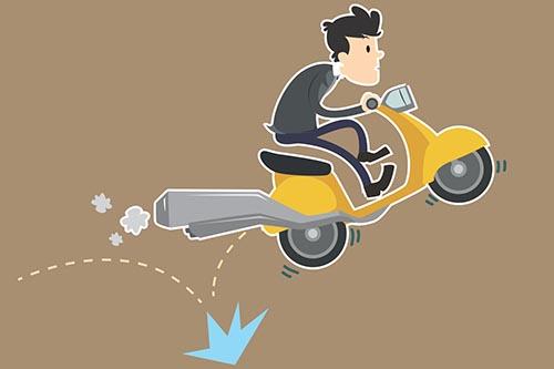 Jika Kecelakaan Karena Ban Pecah Mengakibatkan Korban Luka dan Motor Rusak