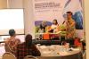 """Iqbal Darmawan selaku Senior Partner dari HHP Law Firm (kanan) dan Natasha Monica Tumundo selaku Head Legal & Compliance dari Mandiri Capital Indonesia (tengah) dalam Diskusi Hukumonline 2019 """"Perkembangan Skema Pendanaan Alternatif bagi Pelaku Usaha di Indonesia: Pertimbangan Bisnis & Hukum"""", Kamis (03/10/19). Foto: Hukumonline.com"""