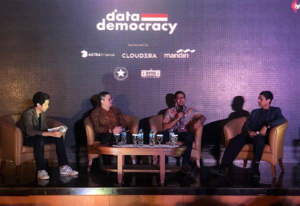 Literasi masyarakat tentang perlindungan data pribadi sangat penting. Diskusi tentang RUU PDP. Foto: DAN