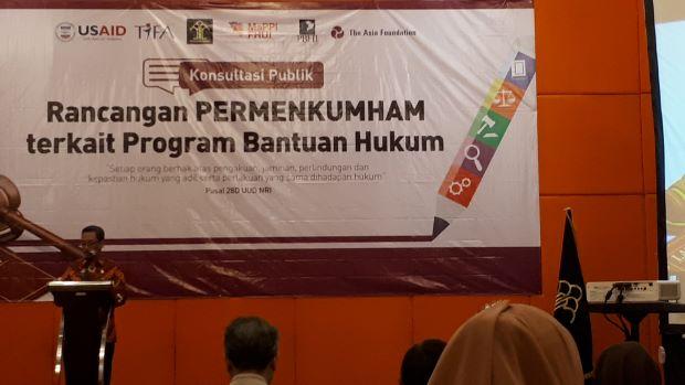 Konsultasi publik tentang paralegal dalam bantuan hukum di Surabaya, Rabu (26/2). Foto: MYS