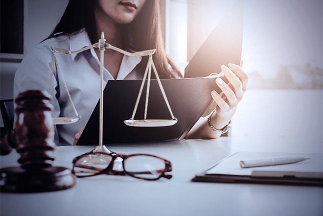 Adu Spesialis Corporate Law Firm Besar Indonesia 2020