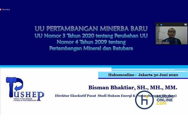 Pemaparan materi Webinar Minerba yang dibawakan oleh Bisman Bhaktiar