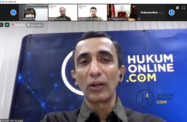 Co-Founder Hukumonline.com, Ahmad Fikri Assegaf saat membuka 20 Webinar untuk 20 Tahun Hukumonline, Selasa (14/7). Foto: RES