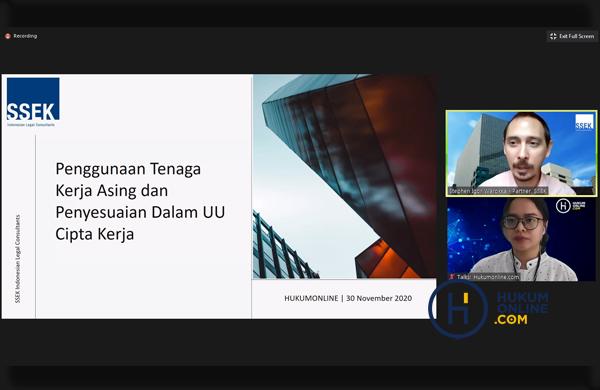 "Pemaparan Materi dalam Bootcamp Hari Ketiga Hukumonline 2020, berjudul ""Hukum Ketenagakerjaan, Hubungan Industrial, dan Tata Cara Penggunaan Tenaga Kerja Asing dari Bapak Stephen Igor Warokka, selaku Partner, SSEK Indonesian Legal Consultans (30/11/2020)"