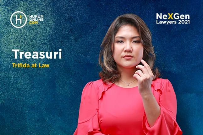 Treasuri Tamara, Corporate Lawyer di Firma Hukum TRIFIDA at Law.