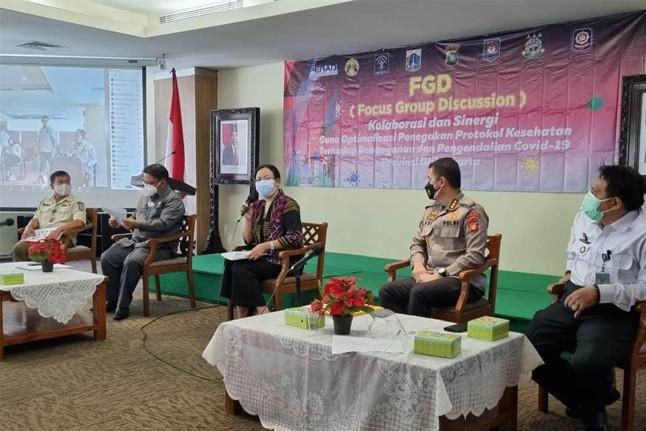 PERADI sebagai narasumber dalam FGD bertajuk 'Kolaborasi dan Sinergi guna Optimalisasi Penegakan Protokol Kesehatan terhadap Penanganan dan Pengendalian Covid-19 Provinsi DKI Jakarta'. Foto: istimewa.