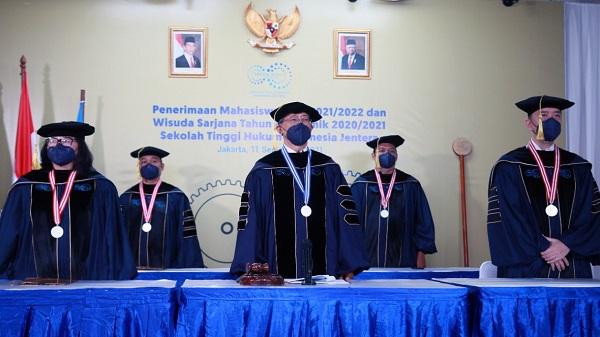 Penerimaan Mahasiswa Baru 2021-2022 dan Wisuda Sarjana Tahun Akademik 2020-2021 Sekolah Tinggi Hukum Indonesia Jentera secara daring, Sabtu (11/09). Foto: STH Indonesia Jentera