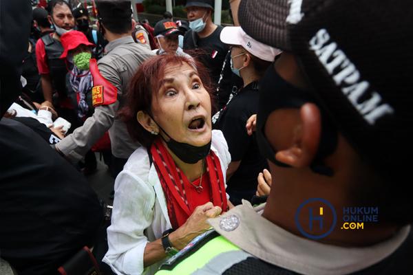Demo Usut Kasus Korupsi di Jakarta 6.jpg