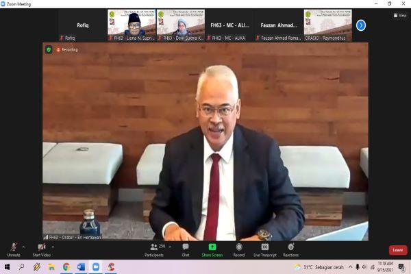 Partner Kantor Hukum AHP, Eri Hertiawan saat menyampaikan orasinya dalam Dies Natalis ke-63 Fakultas Hukum Universitas Katolik Parahyangan secara virtual, Rabu (15/9/2021). Foto: RFQ