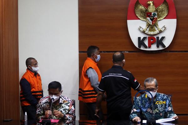 KPK Tunjukan Barang Bukti OTT Hulu Sungai Utara Kalsel 4.jpg