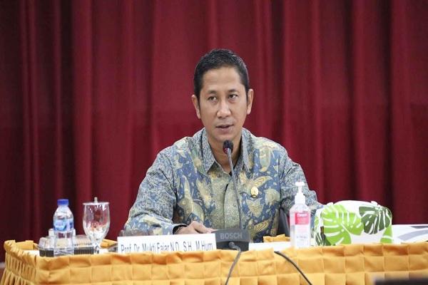 Ketua KY Mukti Fajar Nur Dewata. Foto: Humas KY