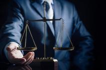 Tafsir Mahkamah Agung dan Mahkamah Konstitusi Soal Organisasi Advokat