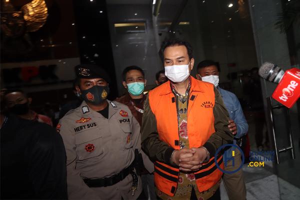 KPK Tahan Aziz Syamsuddin