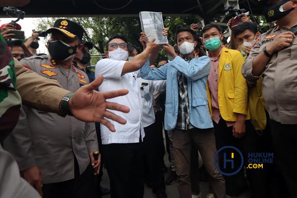 Kepala KSP Moeldoko Temui Ratusan Massa Pendemo Jokowi