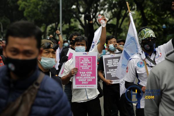 Unjuk Rasa Buruh di Jakarta Tuntut Kenaikan UMP